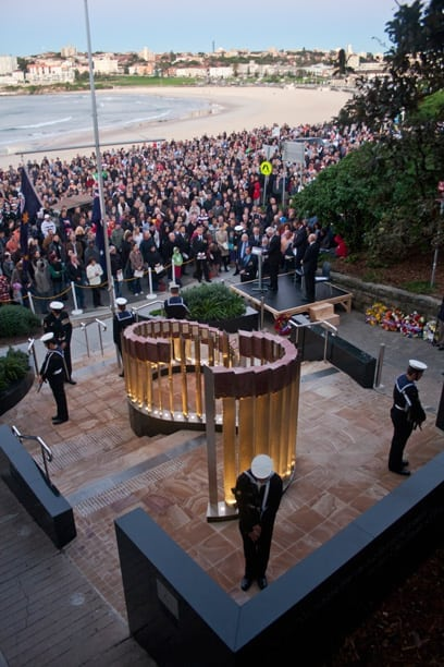 ANZAC DAY Dawn Service 2012 - North Bondi RSL War Memorial